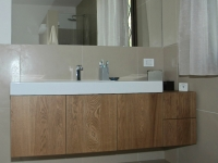 mobile bagno ante e cassetti in rovere strato nobile mm 4 spazzolato e verniciato