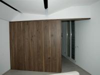 parete con porta scorrevole