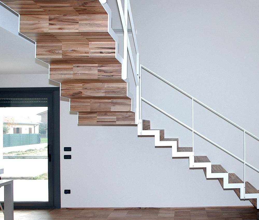 Gradini di legno costo design casa creativa e mobili - Gradini in cemento per esterno ...