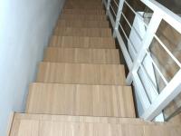 scala struttura legno chiaro