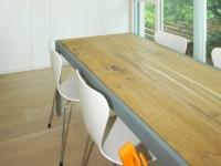 Tavolo a disegno con struttura acciaio verniciato e piano in quercia antica